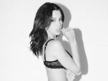 Denise Schaefer演绎别样The Hundreds